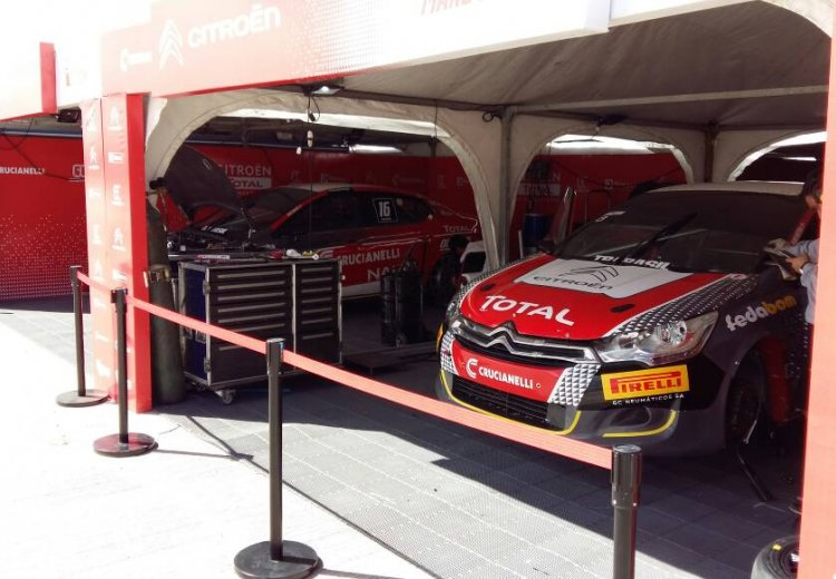 Los boxes del Citroen TOTAL GC en Toay, La Pampa