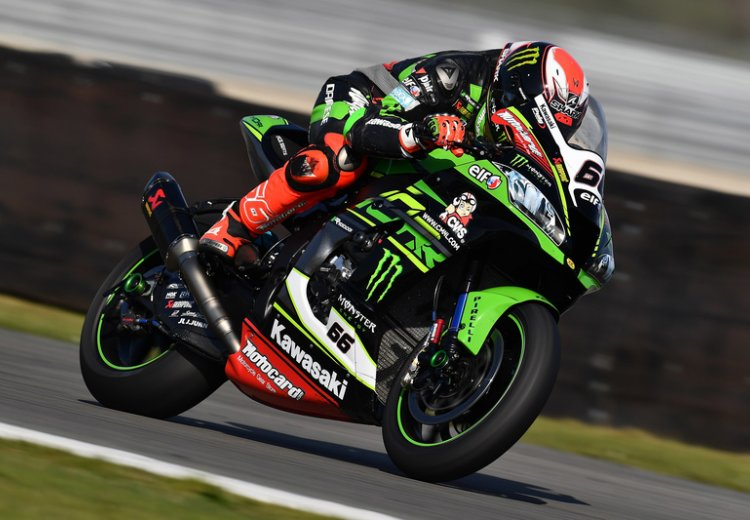 Tom Sykes dominó a voluntad la segunda carrera en Assen