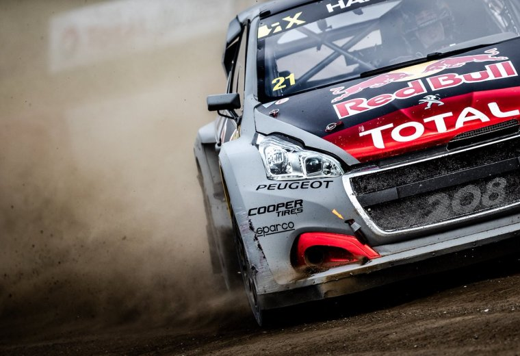 Doble podio del Team Peugeot TOTAL