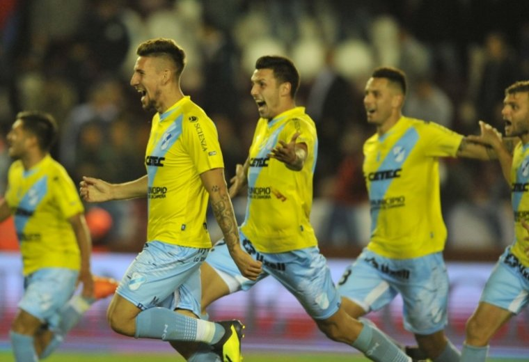 Temperley sigue haciendo historia
